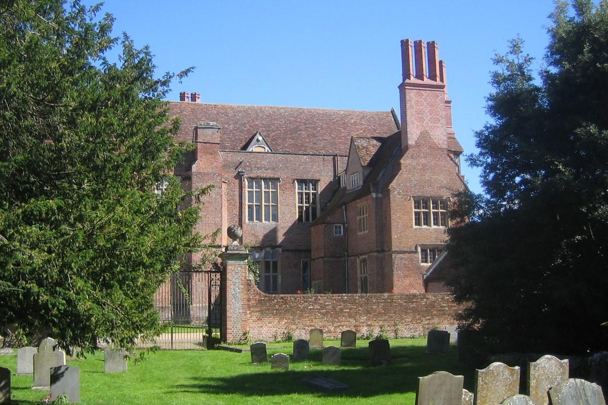 Mapledurham House | History, Photos | Historic Oxfordshire Guide